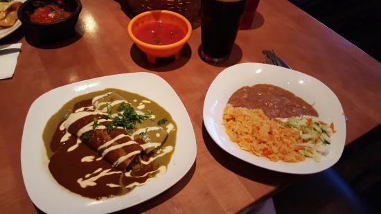 ซิสเตอร์ส, ออริกอน: Enchiladas Enmoladas
