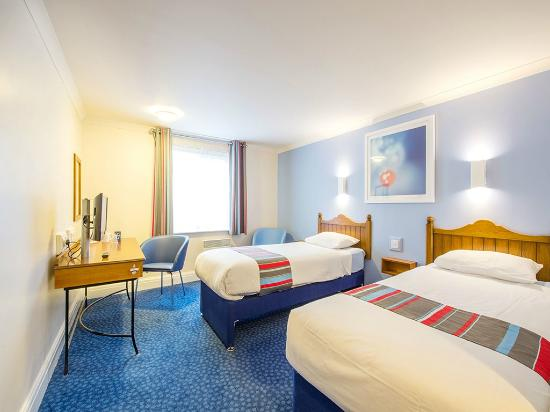 Travelodge Family Room Twin