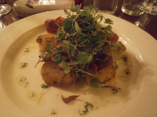 The Worsley Arms Hotel: King scallops, delicious