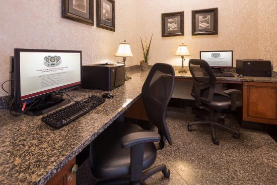 Drury Inn & Suites Meridian: 24-Hour Business Center