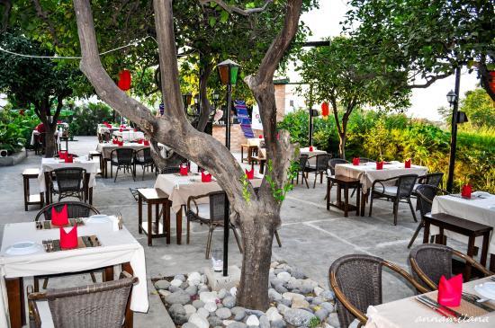 Panta Restaurant & Bar