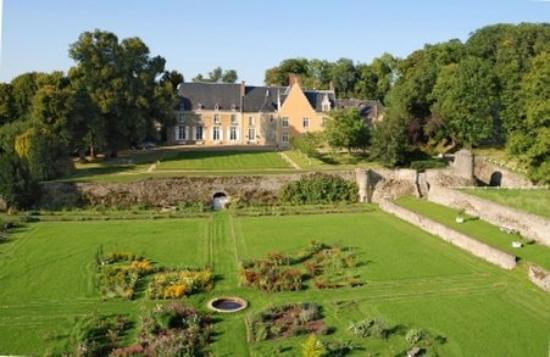 Conflans-sur-Anille, Francia: Exterior