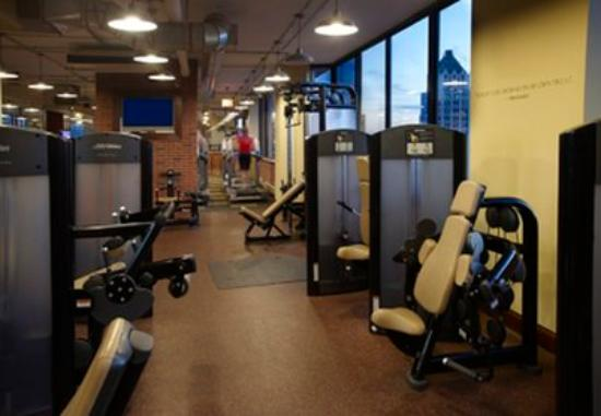 Manilow Suites at Millennium Park Plaza: Fitness Center