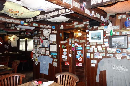 Colonia, Negara Federasi Mikronesia: Restaurant bar