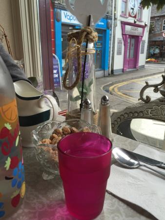 Ennis, Irland: Cosyness in Tea Cosy