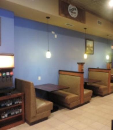 Huron, South Dakota: Lounge area