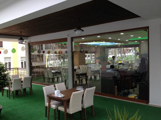 Colak Kofte Salonu: Çolak Köfte