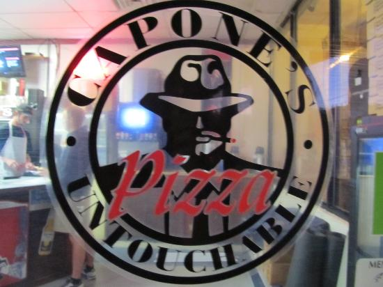 Capone's Pizza: Great italian food at a great price