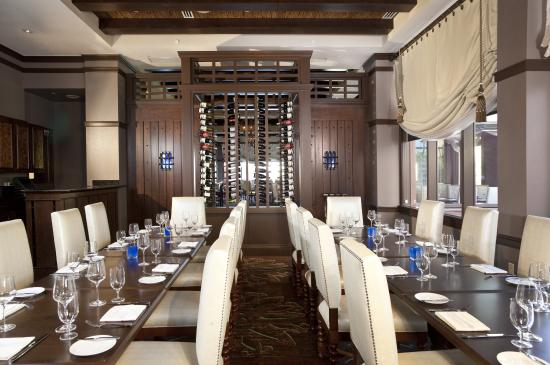 Scallop linguini picture of deep blu seafood grille for Best private dining rooms orlando