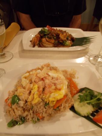 Pom's Thai Taste Restaurant & Noodle House: Generous portions at Pom's!