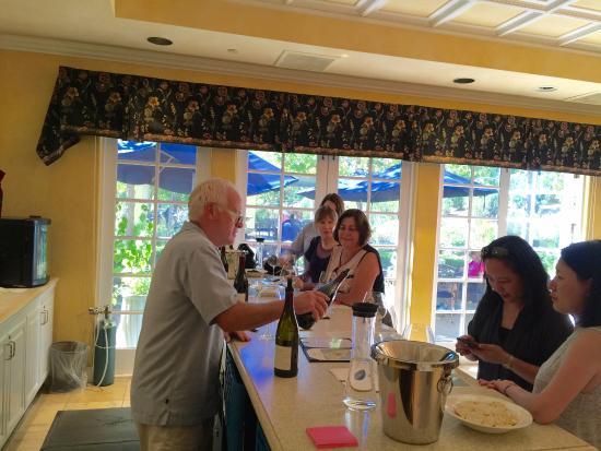 Hartford Family Winery: the tasting bar