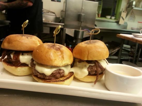 Cin-Cin: Beef Sliders with carmelized onions and cheese fondue