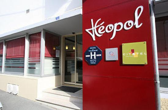 Photo of Hotel Leopol Lorient