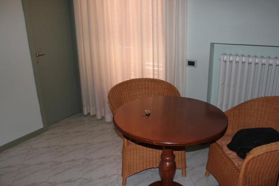 Hotel Castello: Ingresso stanza