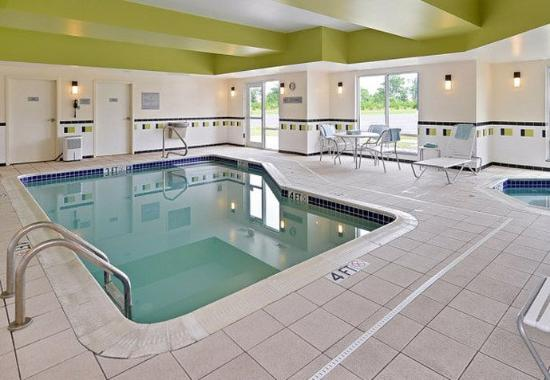 Fairfield Inn & Suites Columbus West/Hilliard: Indoor Pool & Hot Tub