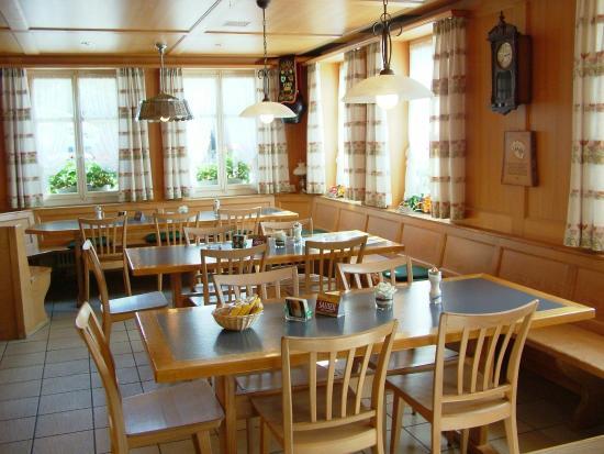 Melchnau, Suiza: Gaststube