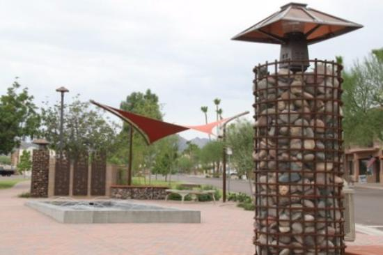 Fountain Hills, AZ: the Artists Gallery in on the newly renovated Avenue of the Fountains