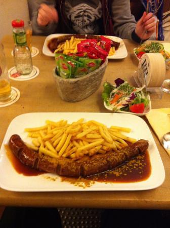 Reissdorf am Hahnentor: Curry Wurst at Reisdorf Am Hahnentor