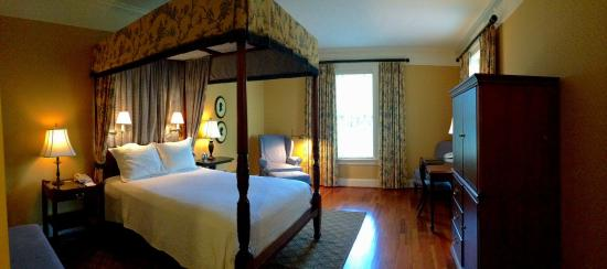 Berry Hill Resort & Conference Center: Standard Queen Guestroom