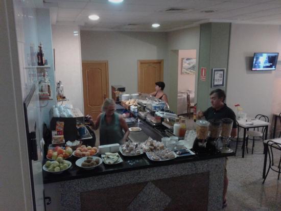 Hotel Dona Catalina: Desayuno