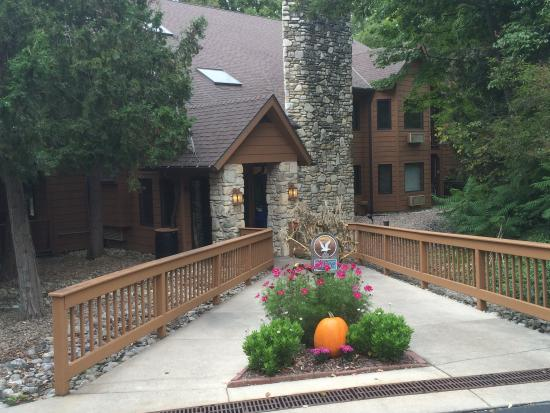 The Landing Resort: Fall Front Entry