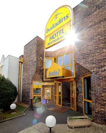Hotel balladins Tours Nord: Exterior