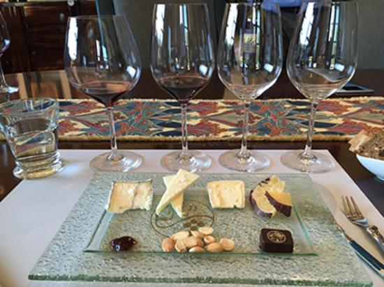 Wine Cube Tours: Food pairing was a treat.