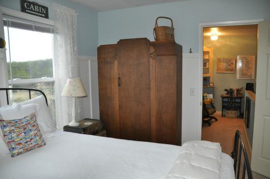Campbell House at Klipsan Beach: Armoir in Christopher's Room