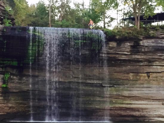 Jamestown Resort & Marina: 76 Waterfalls