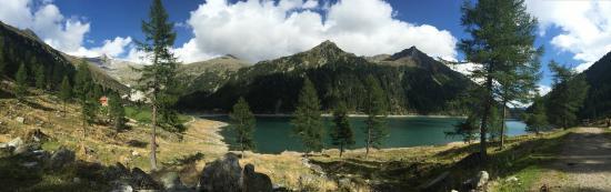 Lappago, Taliansko: Il Lago di Neves scendendo dal Rifugio Ponte di Ghiaccio