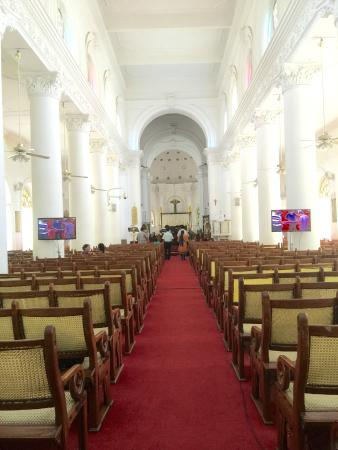 St. Mark's Cathedral: Church interior