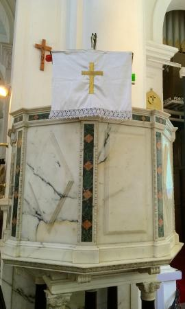 St. Mark's Cathedral: pulpit