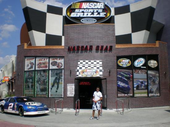 NASCAR Sports Grille: Entrada do Nascar Sports