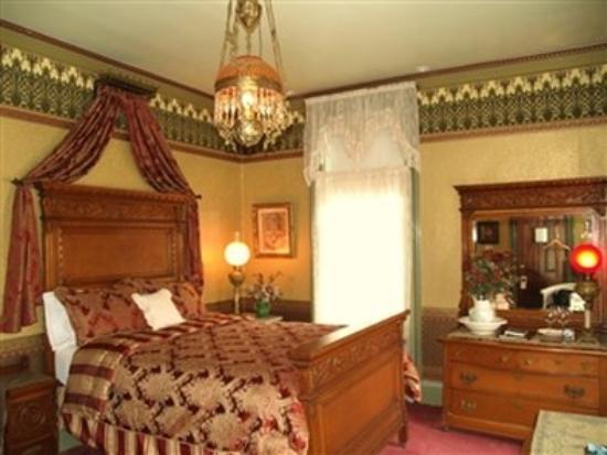 DeLano Mansion Inn Bed and Breakfast: Chaddock