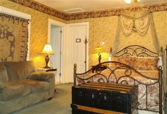 DeLano Mansion Inn Bed and Breakfast: Parsonage