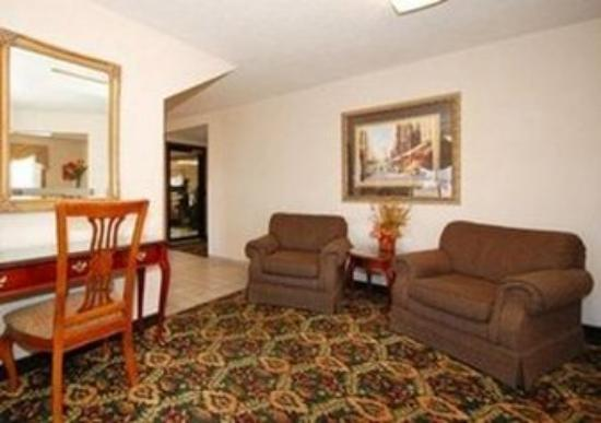 New Victorian Inn & Suites - Kearney: Lobby
