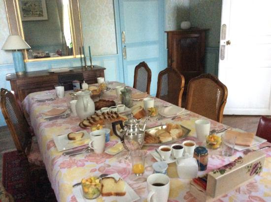 Domaine de Pellerey : Petit Dejeuner