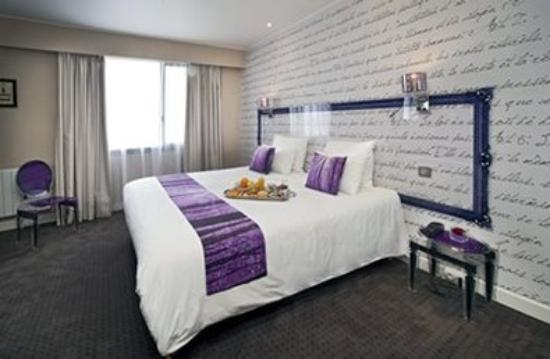 Qualys Hotel Rueil La Defense