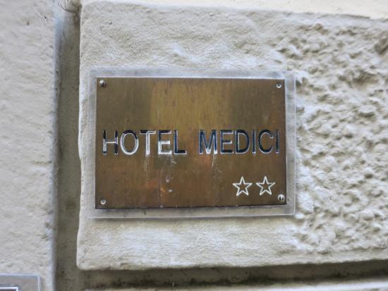 Hotel Medici: entrance to hotel