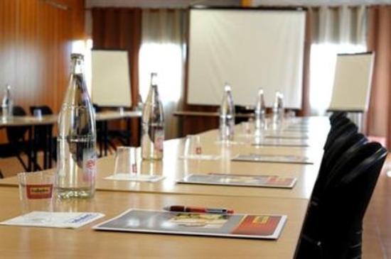 Hôtel balladins Trappes : ConferenceRoom