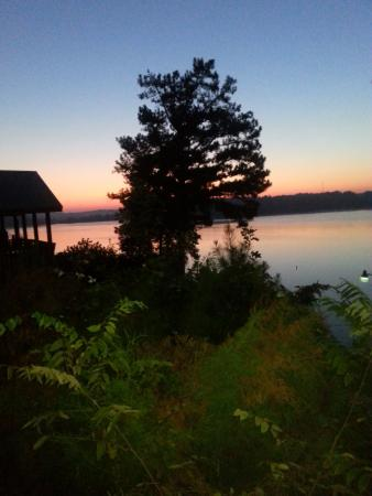 เอ็ดดีวิลล์, เคนตั๊กกี้: Sunset View from Porch