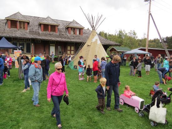 Golden, Canada: Festivities