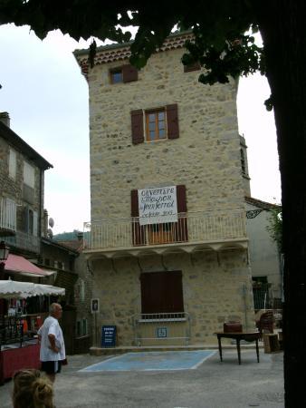 Restaurant la montagne picture of la montagne for Antraigues sur volane maison de jean ferrat