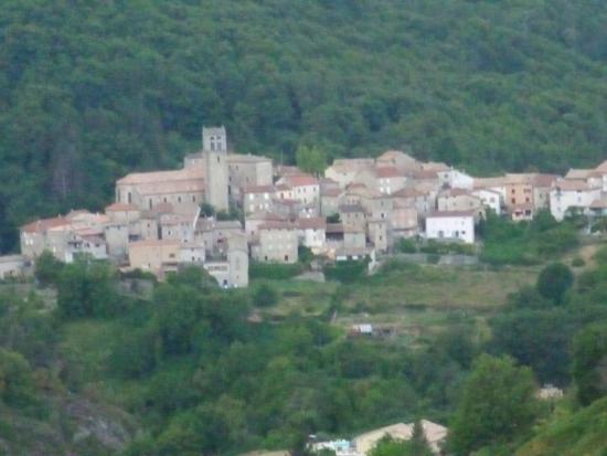 La Montagne : le village d'antraigues en ardèche