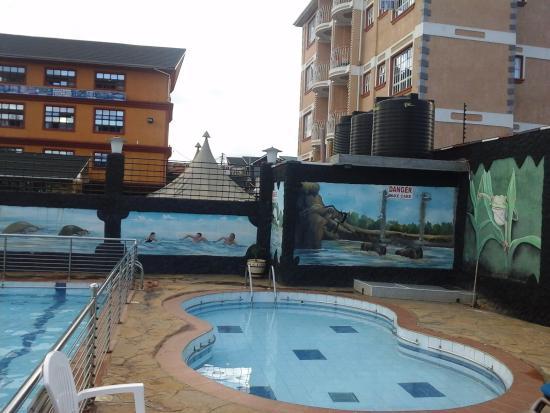 Swimming pool picture of ndupawa guest house eldoret tripadvisor for Hotels in kisumu with swimming pools