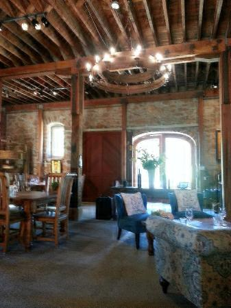 Ehlers Estate Winery: Charming interior