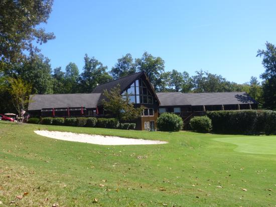 Hartfield, VA: Piankatank - The Club House behind the 18th green