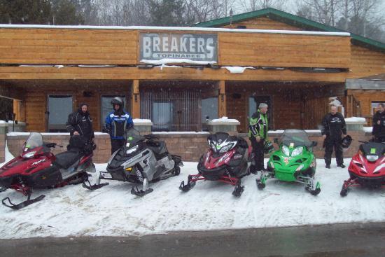 Benjamin's Beaver Creek Resort: breakers bar and grill
