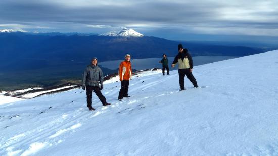 Hostal Margouya Patagonia: Trekking on the snow