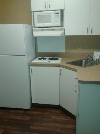Extended Stay America - Houston - Med. Ctr. - Greenway Plaza: Kitchen Area